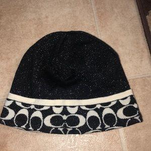 🆕 COACH signature metallic beanie hat
